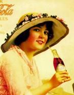 نگاهی به ۱۲۰ سال تاریخ آگهی های چاپی جذاب کوکاکولا