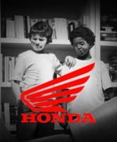 هوندا و اسباب بازیهایش /  نقد کوتاهی بر یکی از آگهی های هوندا